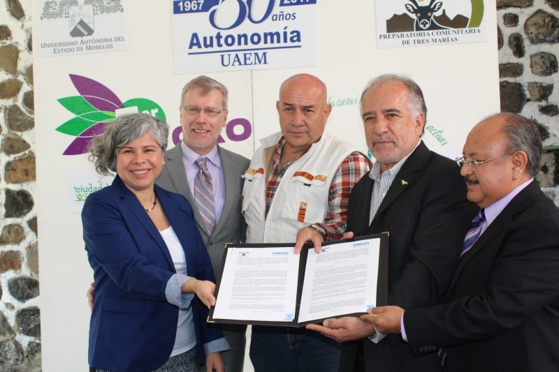 (Left to right): Gisela Frias (Dawson College), Chris Adam (Dawson College), José Iván Fernández Galván (Sustainable Development Secretariat), Dr. Gustavo Urquiza Betltrán (Academic Secretary, UAEM), Dr. Ruben Castro Franco (Director of Graduate Studies)